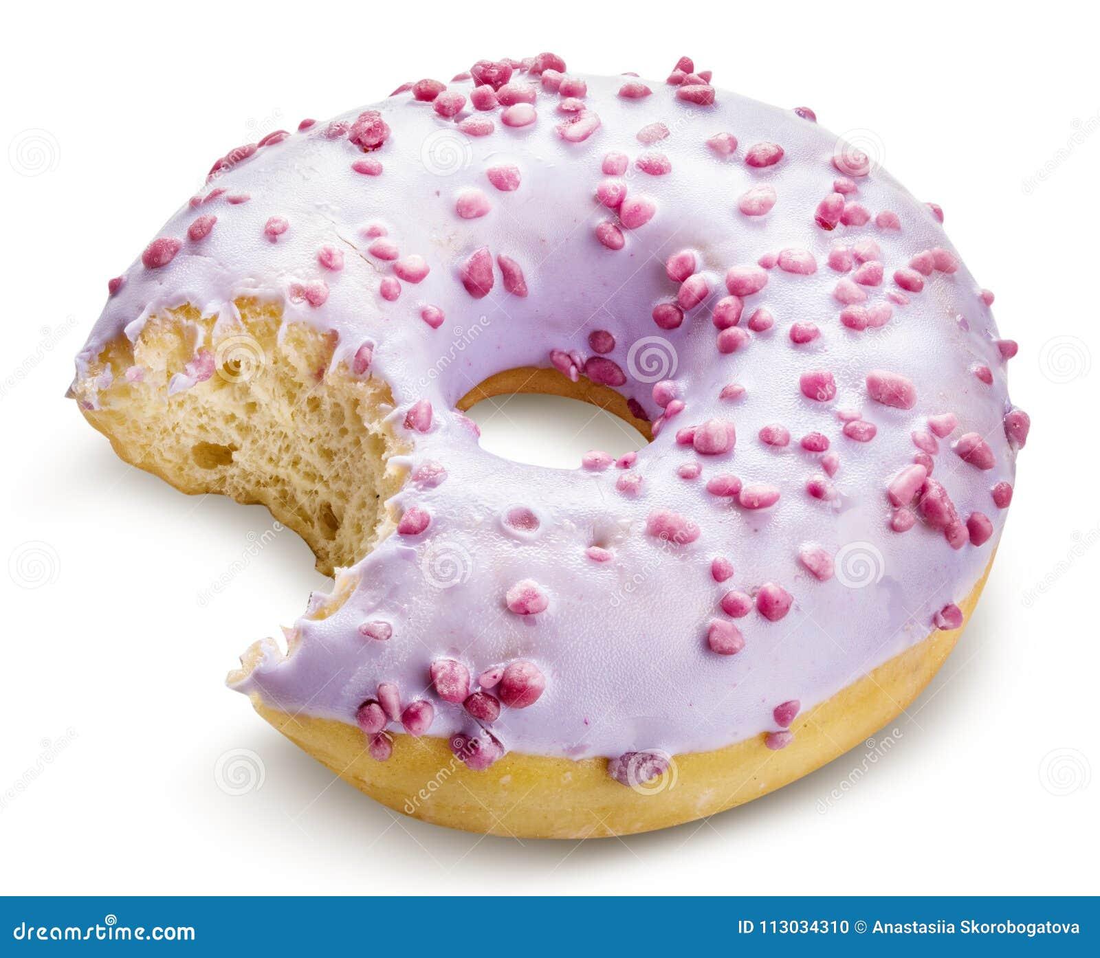 Buñuelo dulce púrpura aislado con la trayectoria de recortes