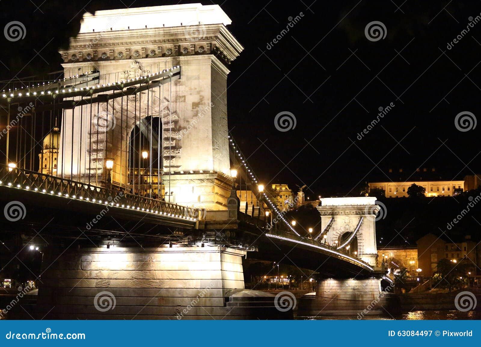 Download Buapest la nuit image stock. Image du danube, budapest - 63084497