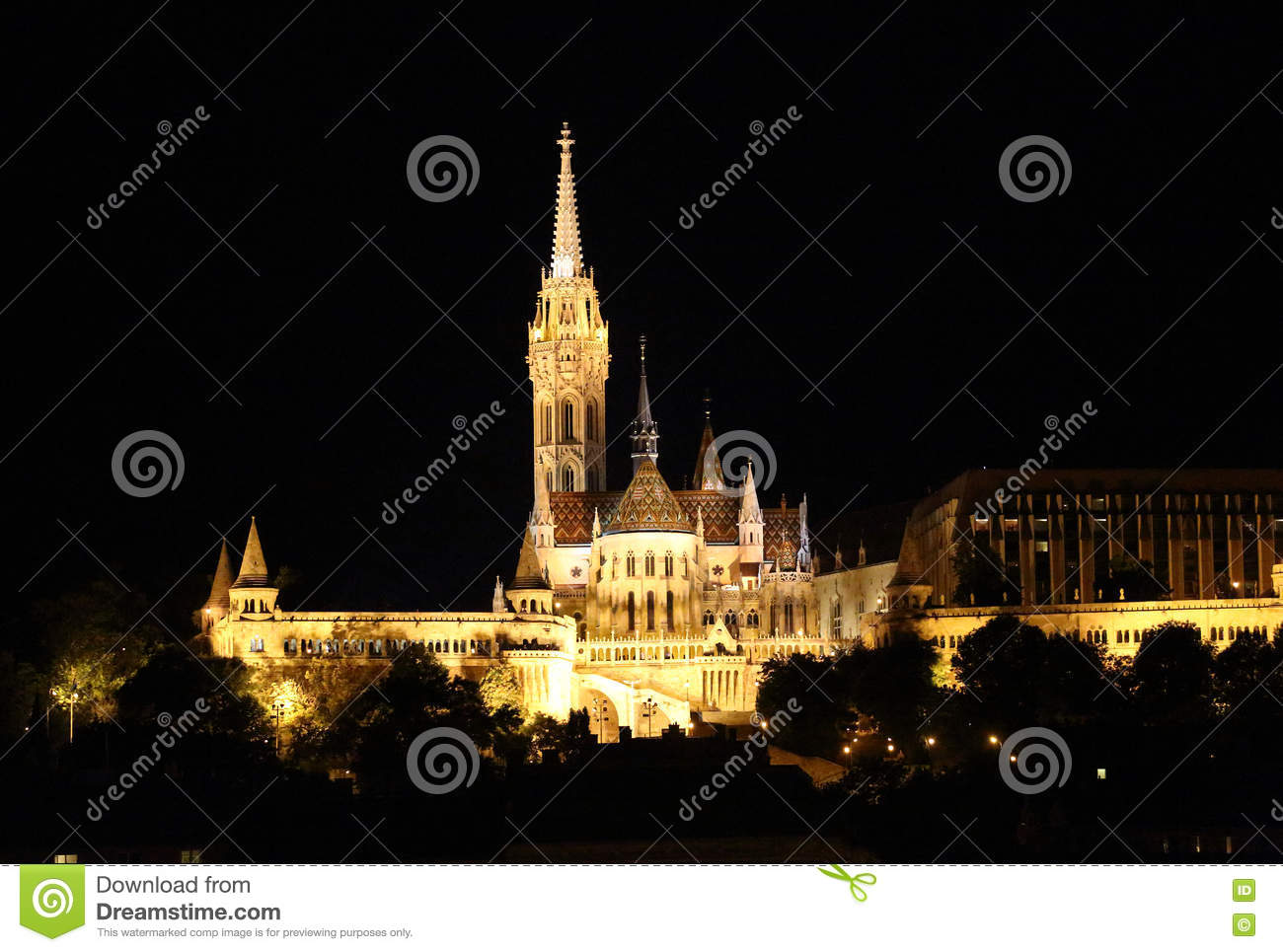 Download Buapest la nuit photo stock. Image du parliament, ruines - 63085444