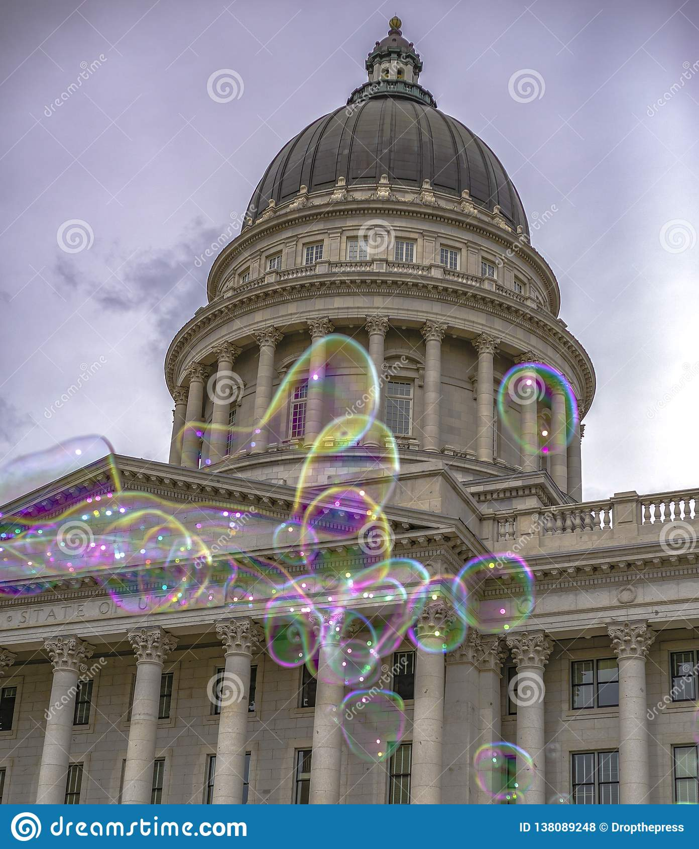 Bubblor som är främsta av Utah huvudstadbyggnad