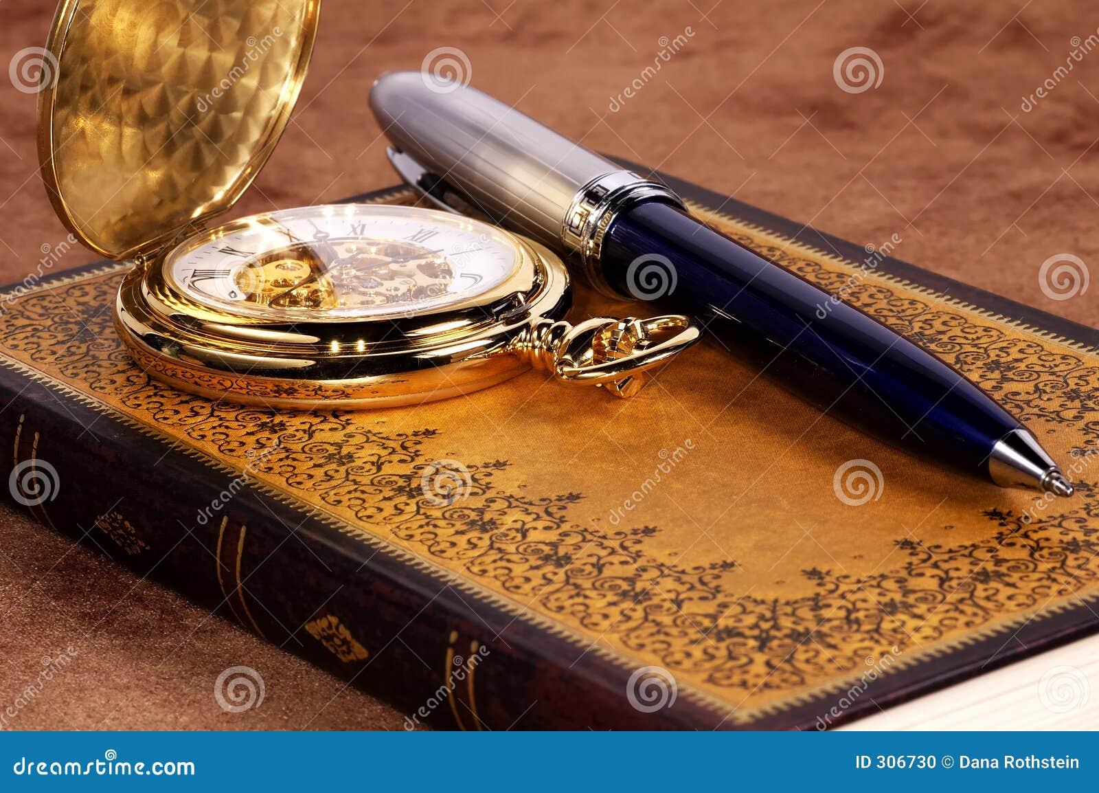 Buch und Uhr