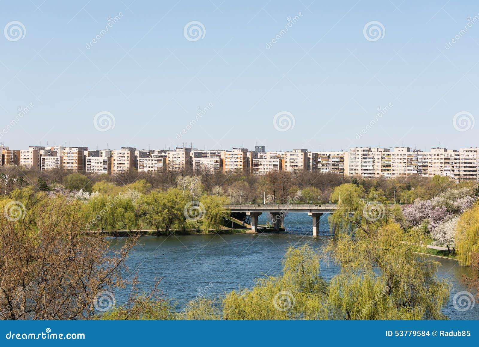 Bucharest widok Od Tineretului parka