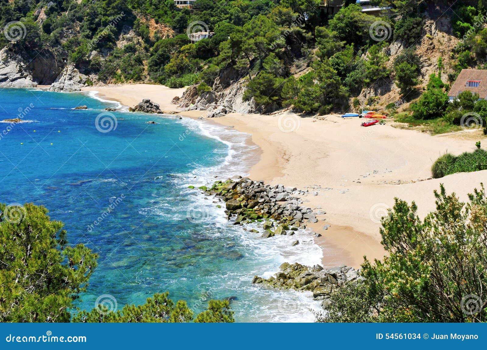 buchten von cala llorell setzen in tossa de mar spanien auf den strand stockfoto bild von. Black Bedroom Furniture Sets. Home Design Ideas