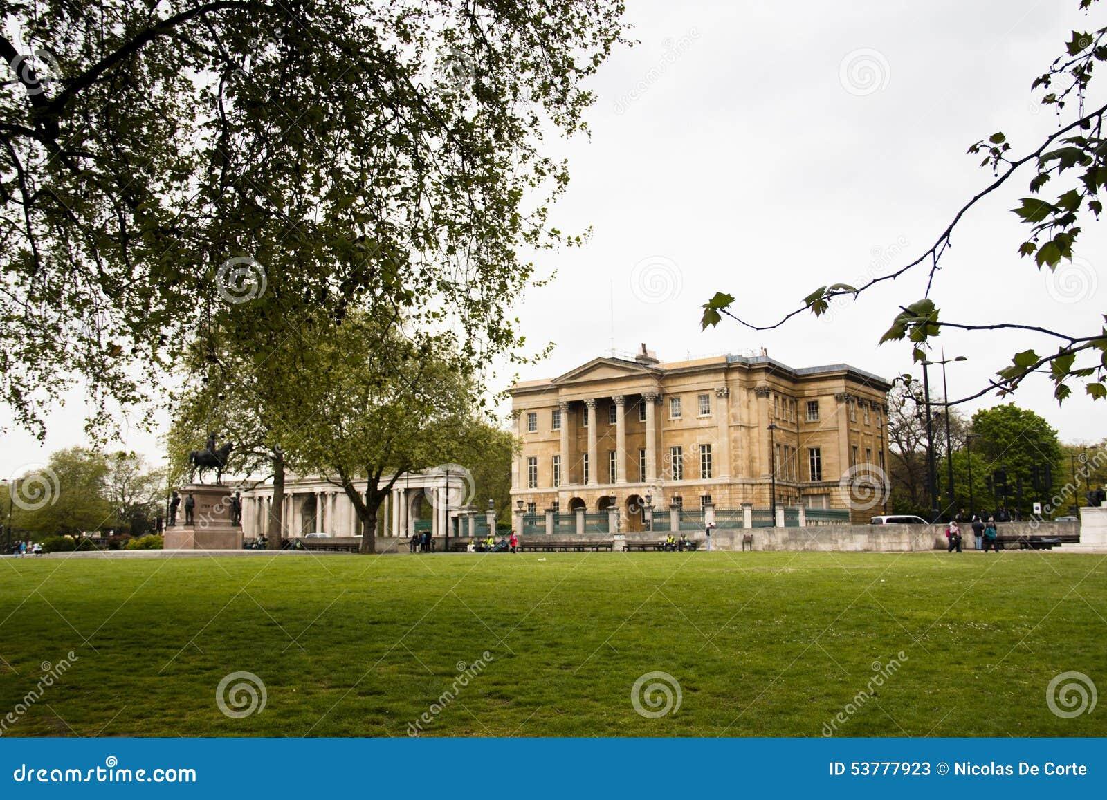 Buckingham Palace widzieć od Hyde parka, Londyn, UK