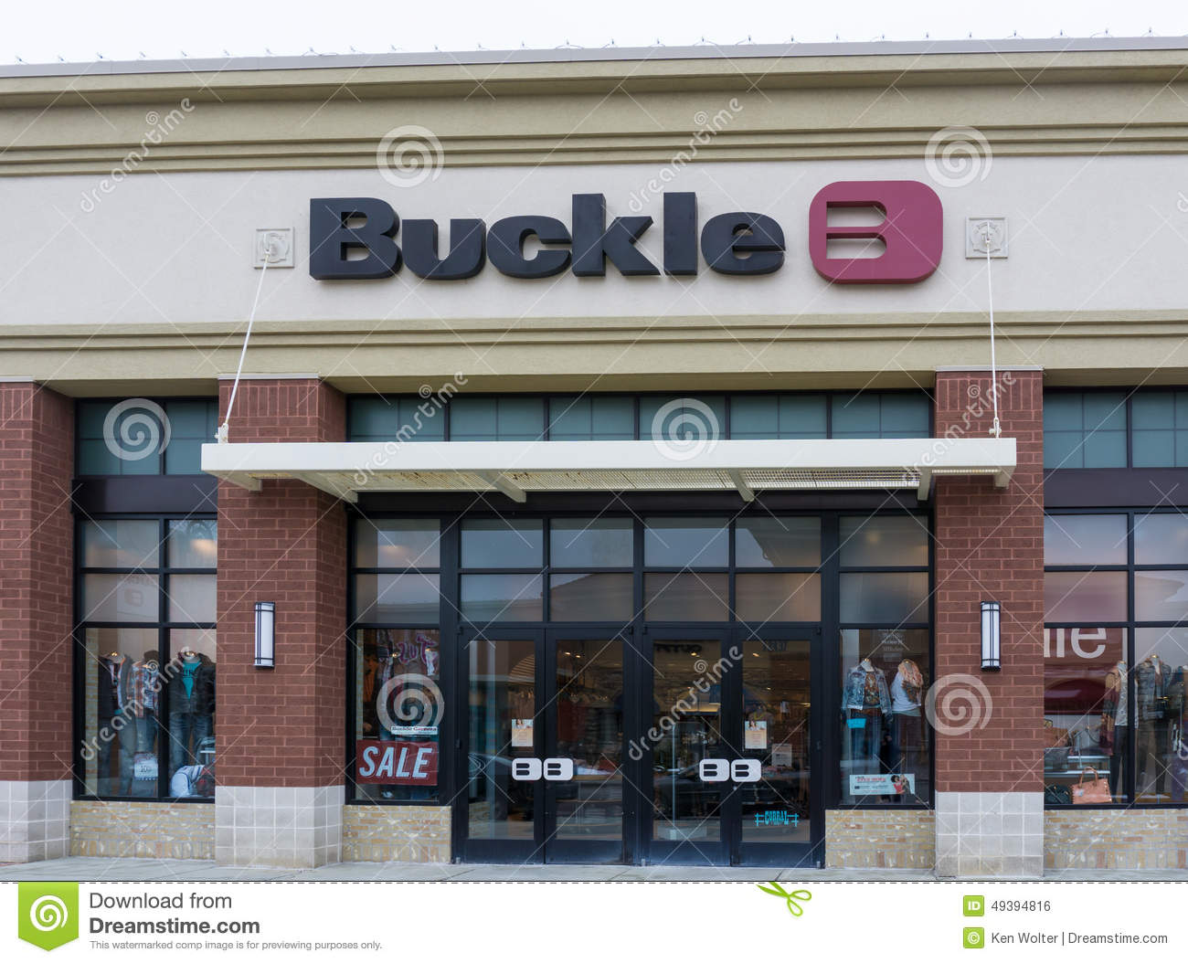 The buckle retail store exterior editorial photo image for Retail shop exterior design