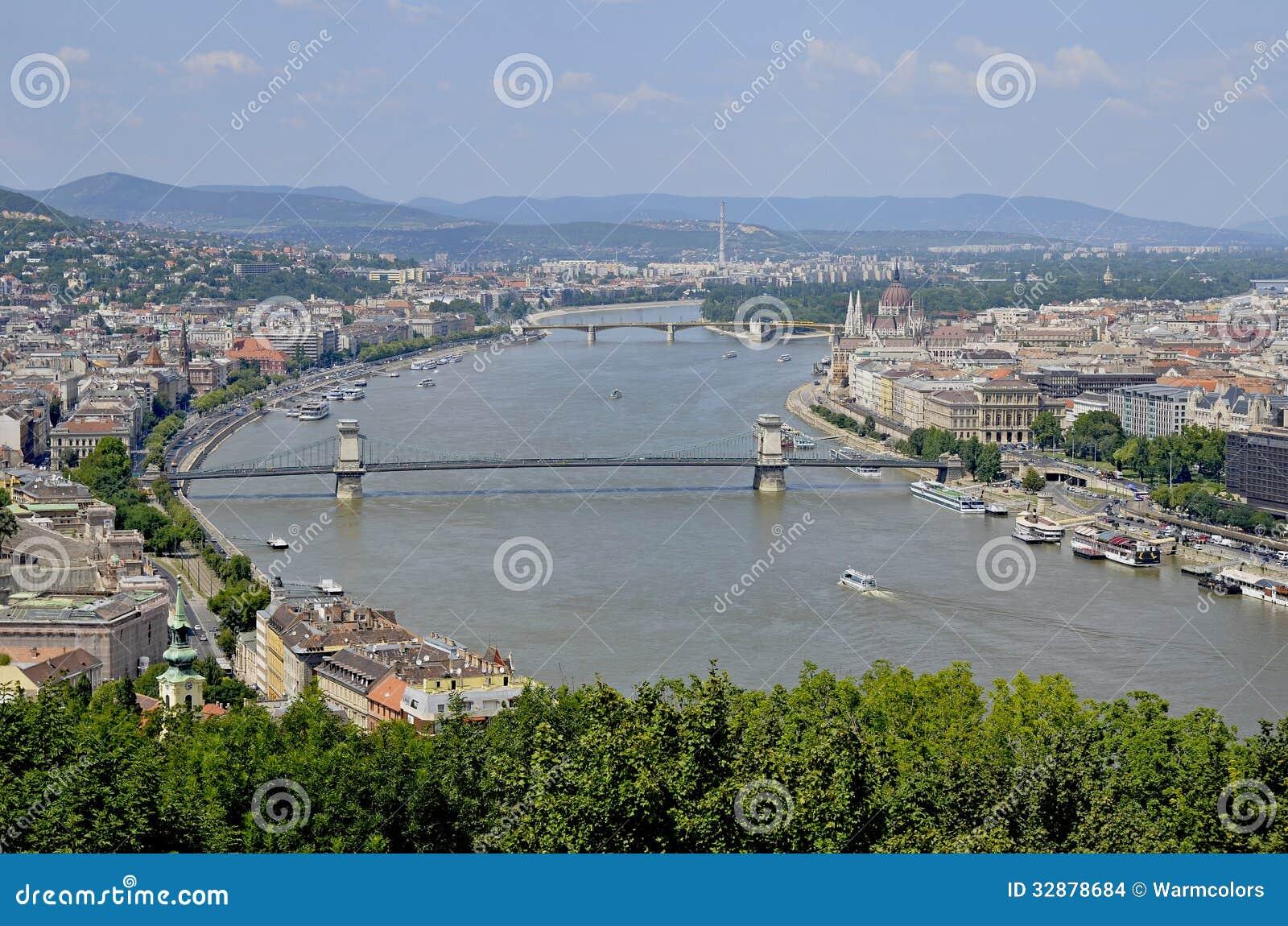 budapest die hauptstadt von ungarn stockfoto bild von parlament geb ude 32878684. Black Bedroom Furniture Sets. Home Design Ideas