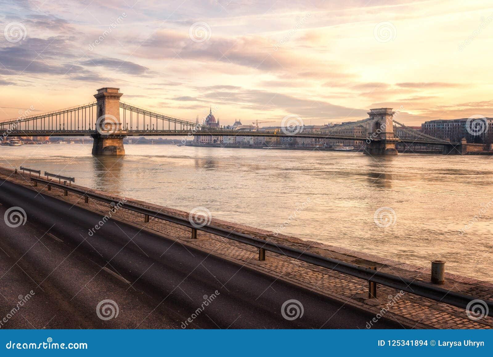 Budapest horisont, härlig cityscape av det historiska området, Ungern, Europa