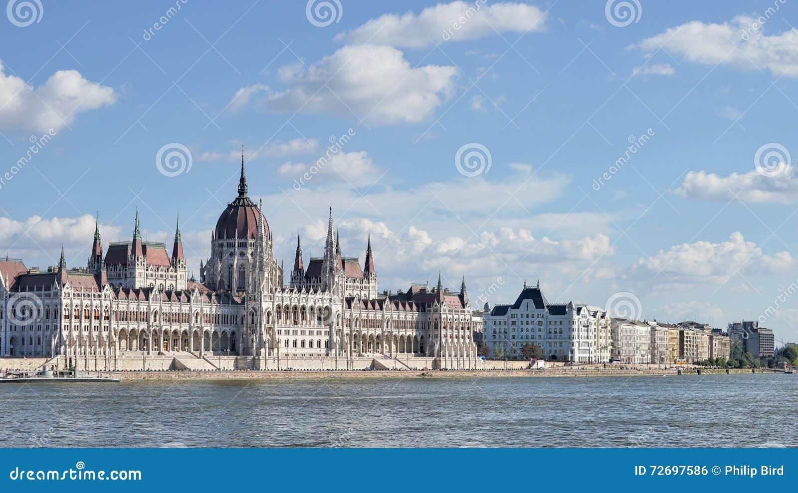 BUDAPEST HUNGARY/EUROPE - SEPTEMBER 21: Ungersk parlament b