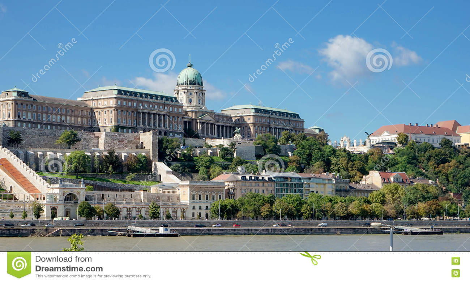 BUDAPEST, HUNGARY/EUROPE - 21 SEPTEMBRE : Vue vers le Castl