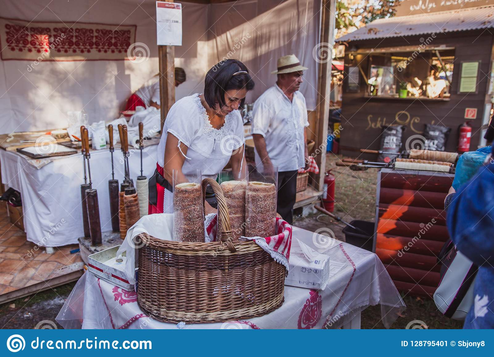 BUDAPEST, HUNGARY - OKTOBER 14, 2018: K Rt Skal Cs Fesztiv L 2018. Bakers  Preparing And Selling Traditional Hungarian Pastry Calle Editorial Photo -  Image of fair, capital: 128795401
