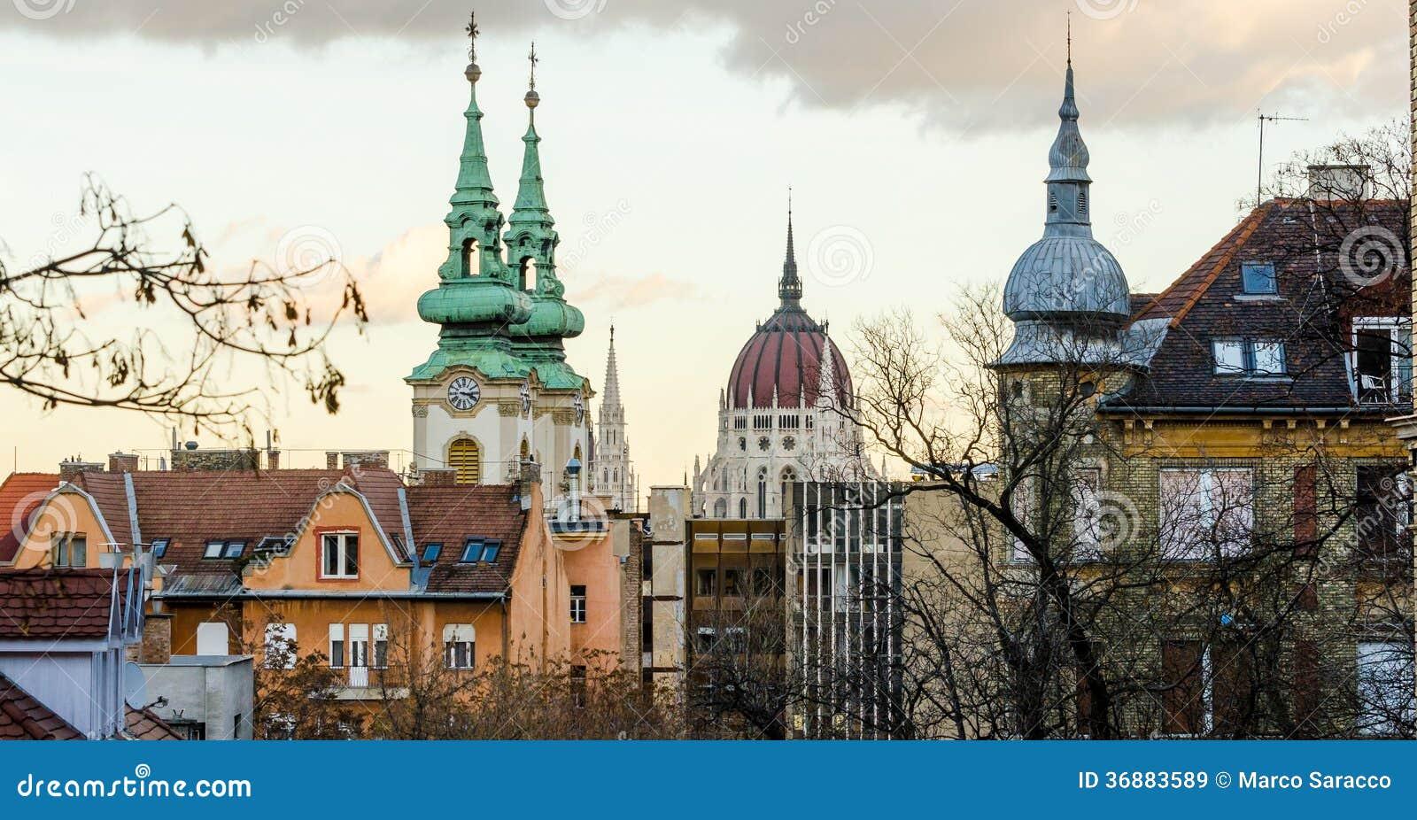 Download Budapest, tramonto immagine stock. Immagine di europeo - 36883589
