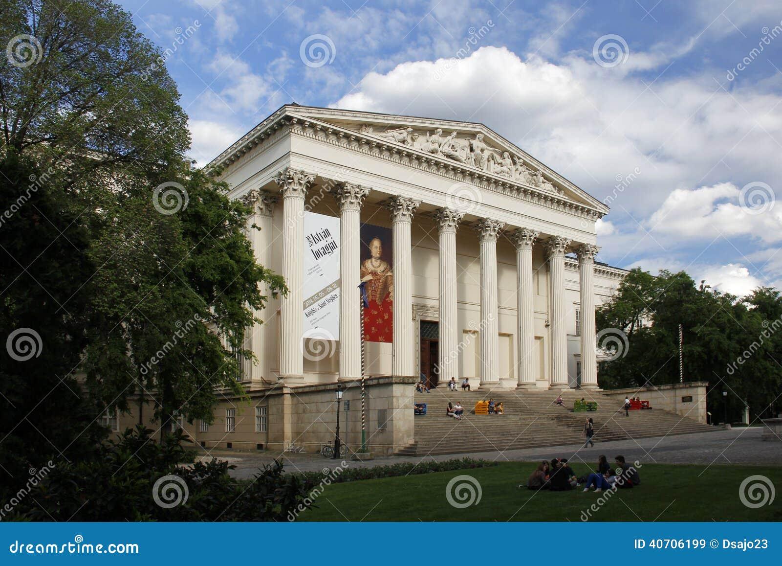 BUDAPEST/UNGERN - MAJ 9: Ungerskt nationellt museum, på Maj 9, 2014 i Budapest/Ungern