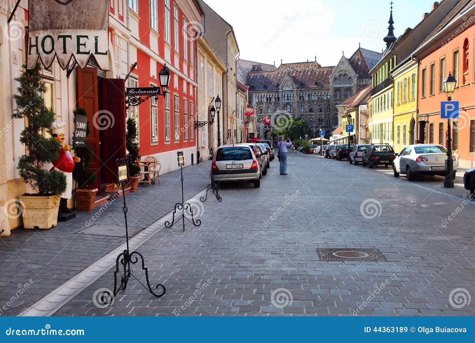 Budapest, Ungheria, il 27 giugno 2014 Sguardo urbano tipico Picturesq