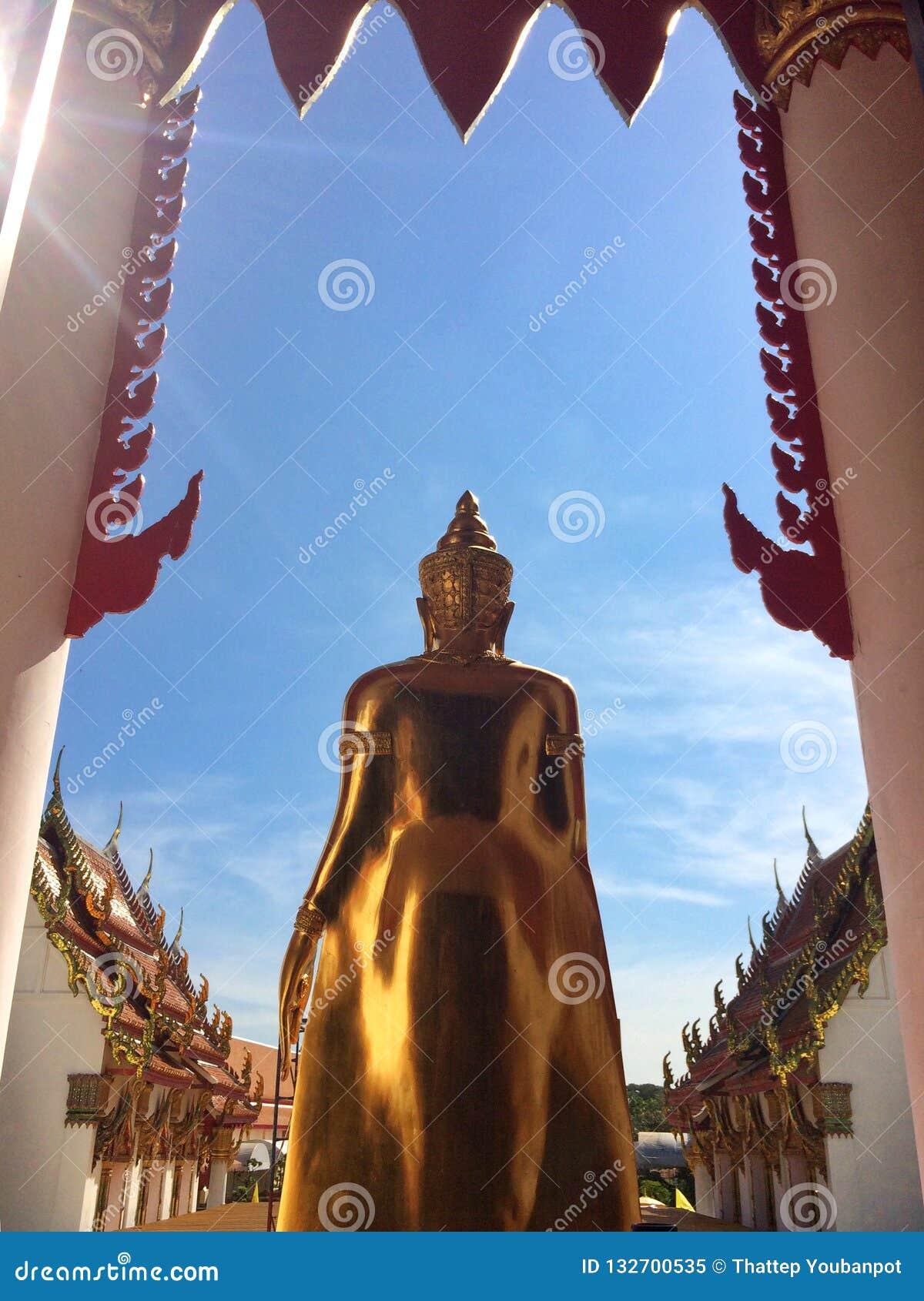 Buddha av buddistisk fromhet