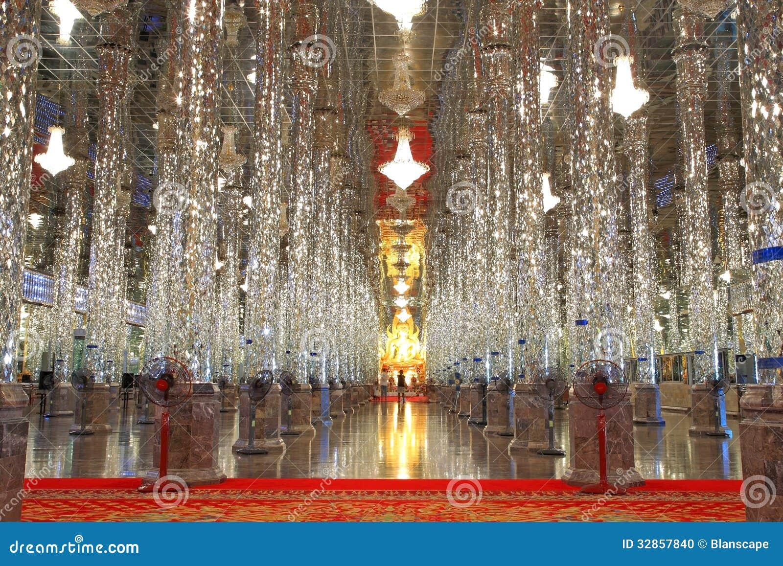 Uthai Thani Thailand  city photo : UTHAI THANI, THAILAND MAY 14: glass pillars and golden Buddha statue ...