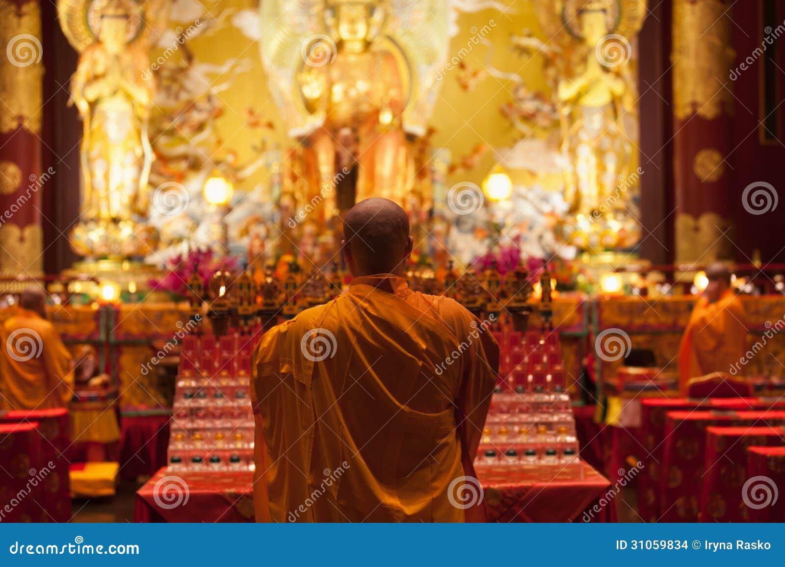 Buddha im Zahn-Relikt-Tempel in China-Stadt, Singapur