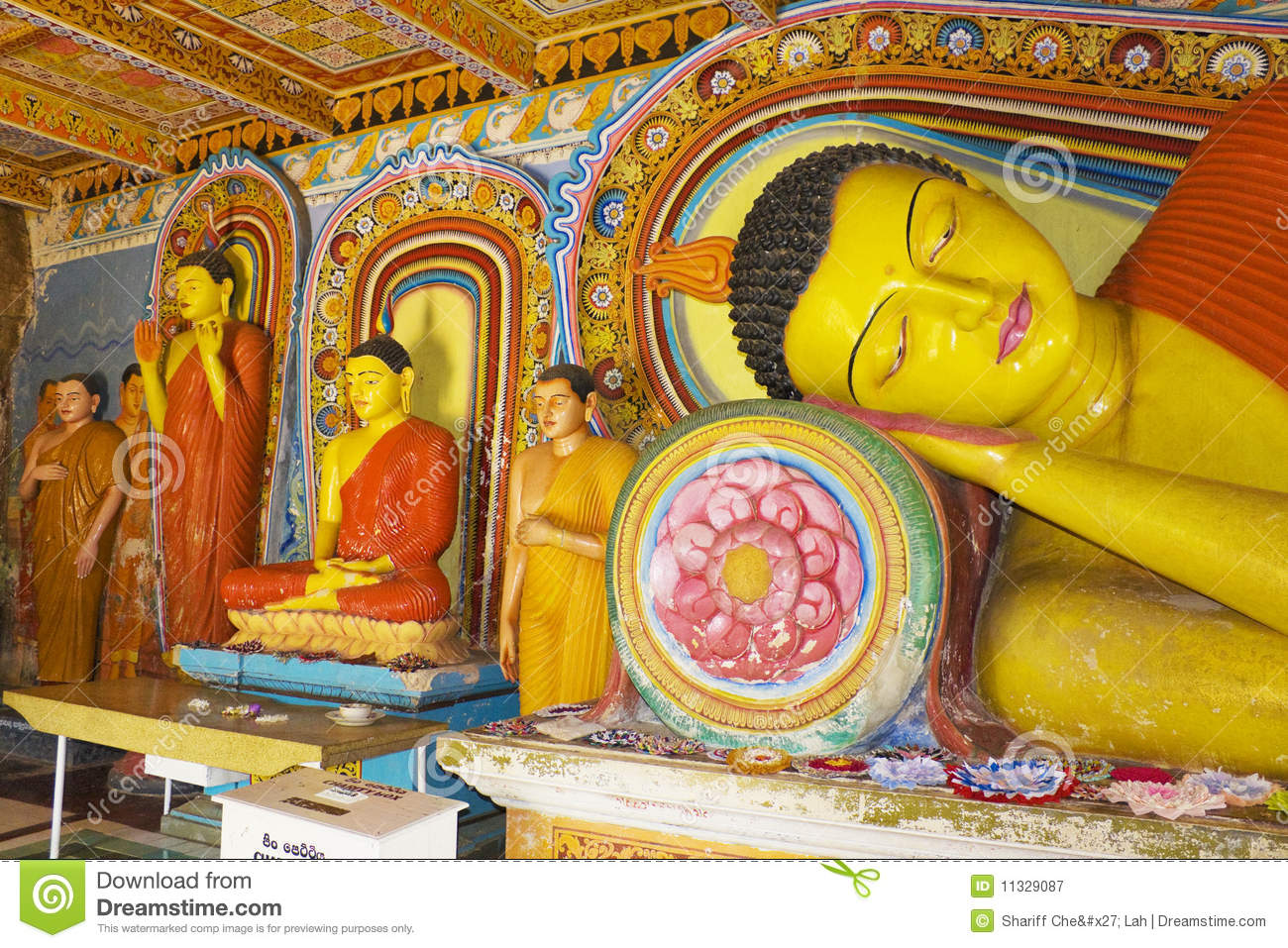 buddha statues at isurumuniya temple sri lanka stock image image 11329087. Black Bedroom Furniture Sets. Home Design Ideas