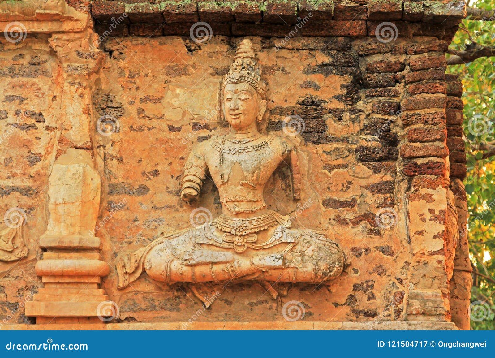 Buddha wizerunek Przy Watem Jed Yod, Chiang Mai, Tajlandia