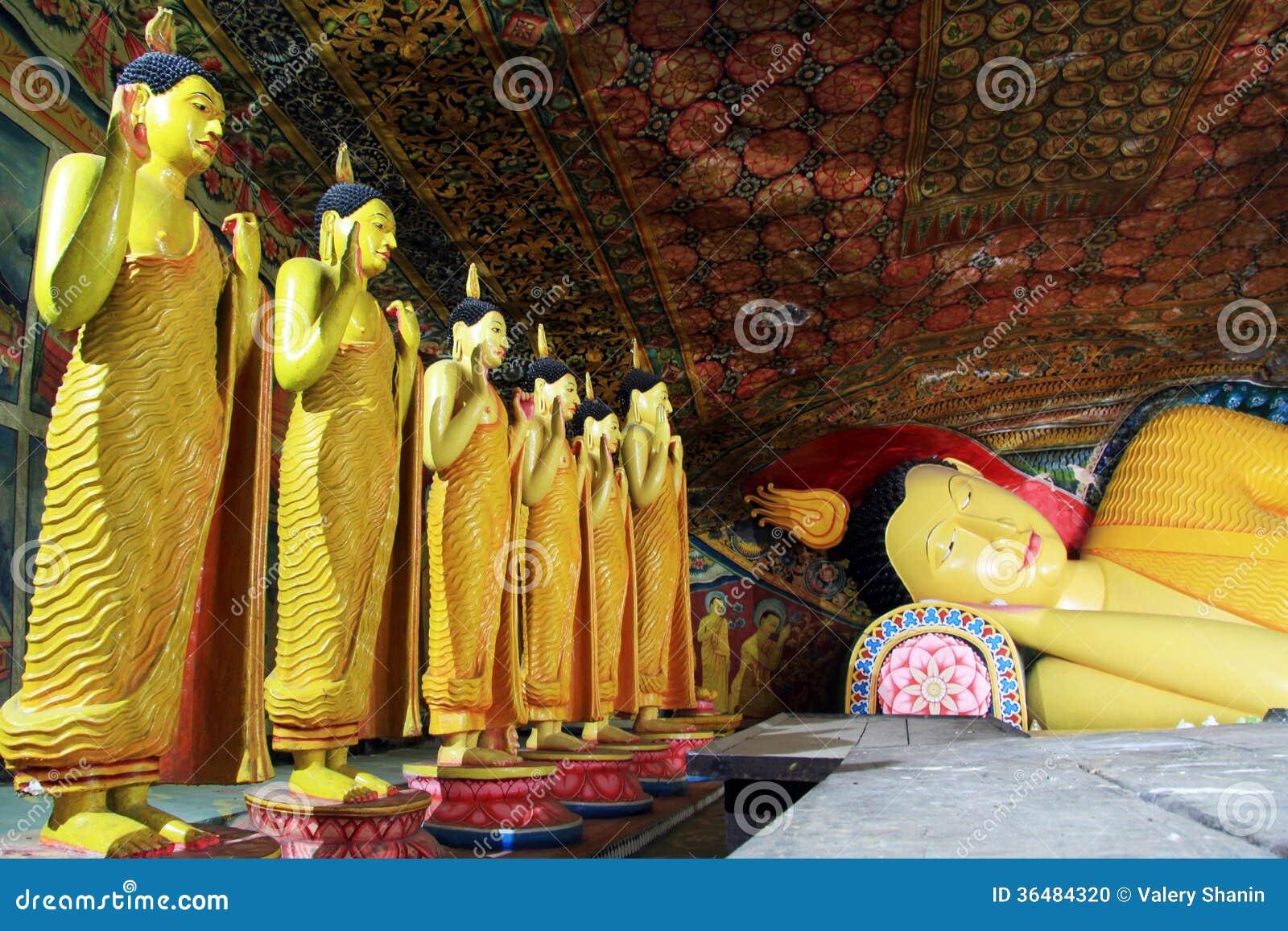 Buddhas в Mulkirigala