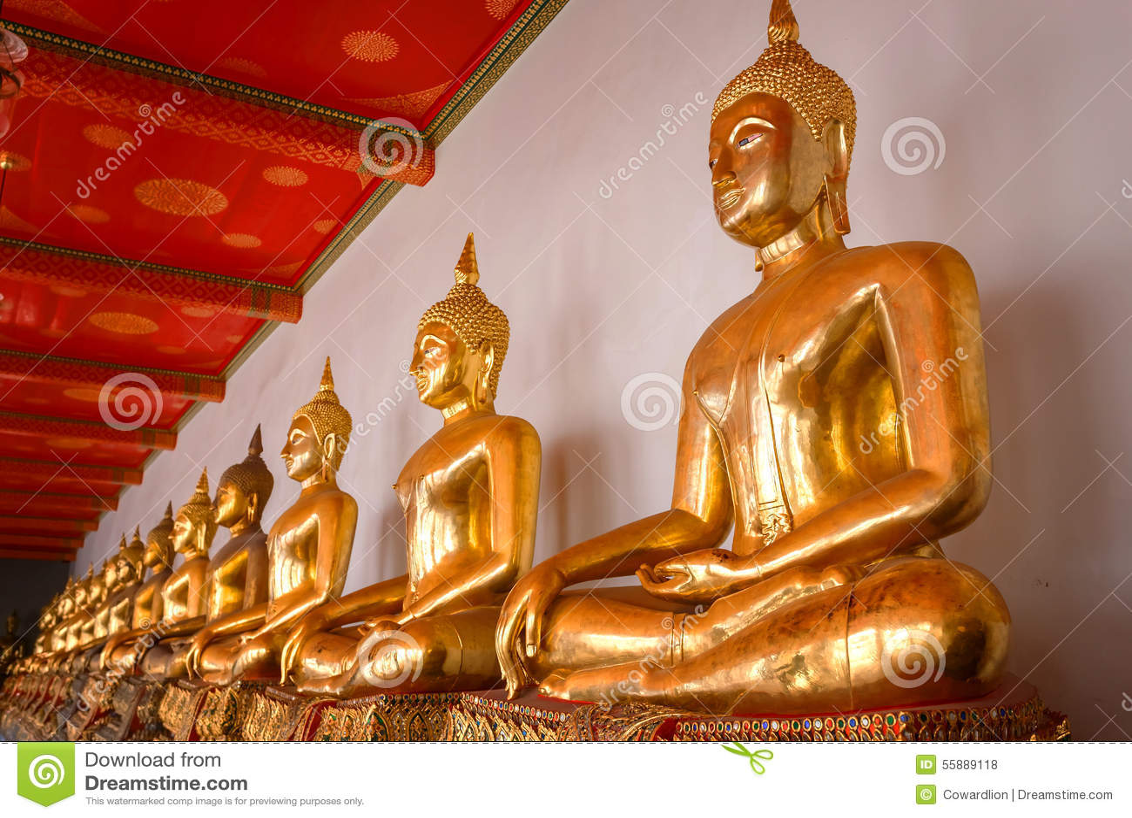 Buddhastaty i Wat Pho (den Pho templet) i Bangkok