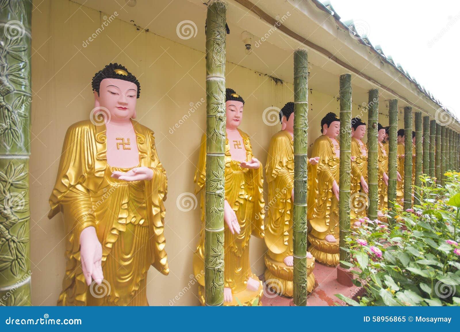 Buddhastatyer i den Kek Lok Si templet, Penang Malaysia