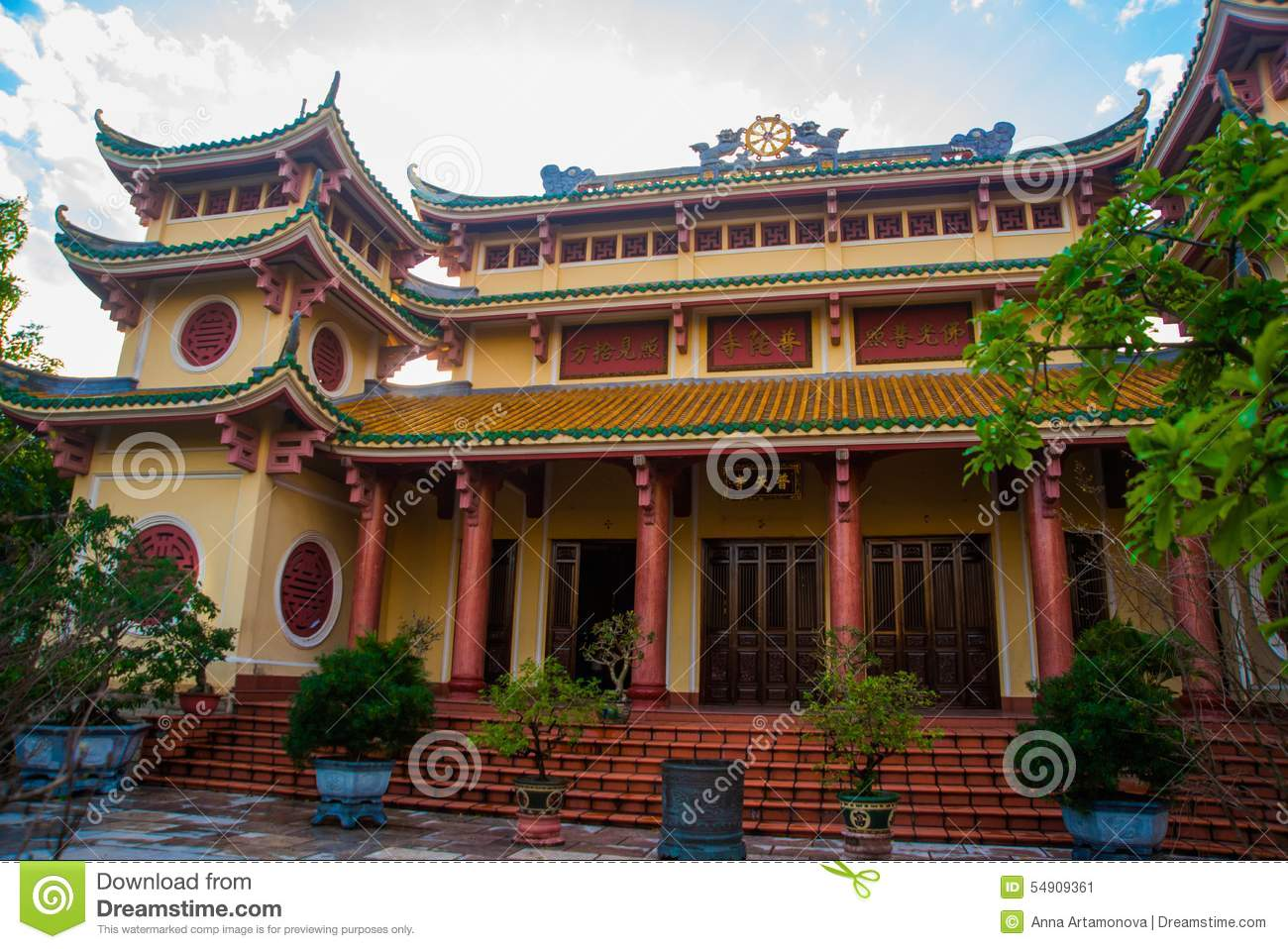 buddhist single men in grant town The 5 best places for expats to live in thailand thailand is one of the world's most popular locales for good living abroad  many expats live near the city center, and some single.