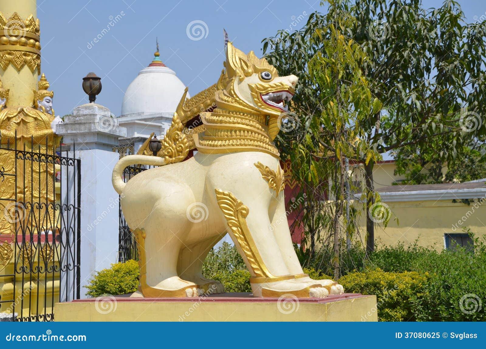 Download Buddyjski lew obraz stock. Obraz złożonej z wschód, świątynia - 37080625