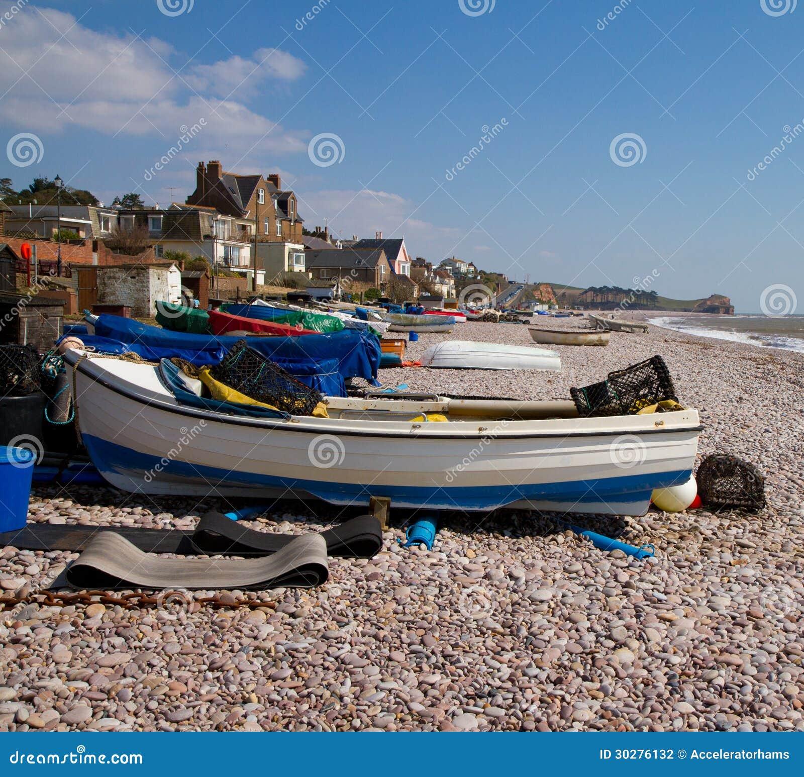在Budleigh Salterton德文郡的小船
