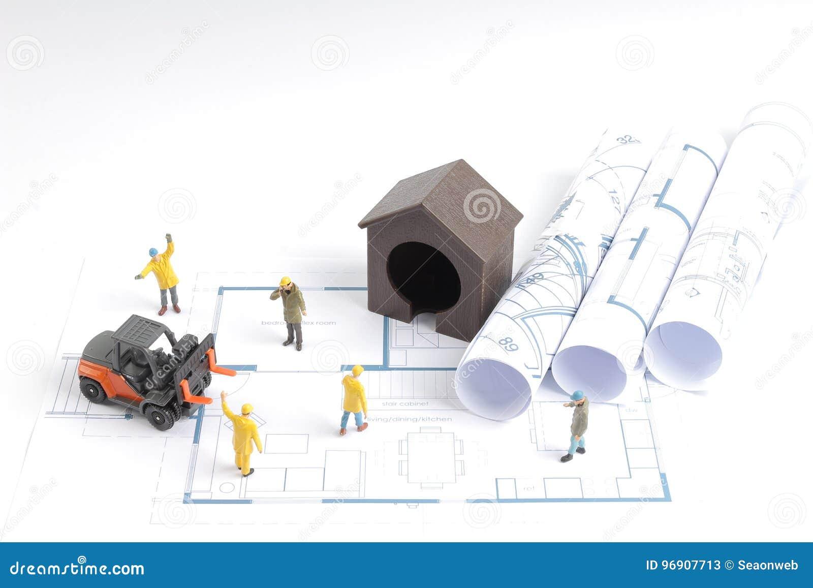 Budować dom na projektach z pracownik budową