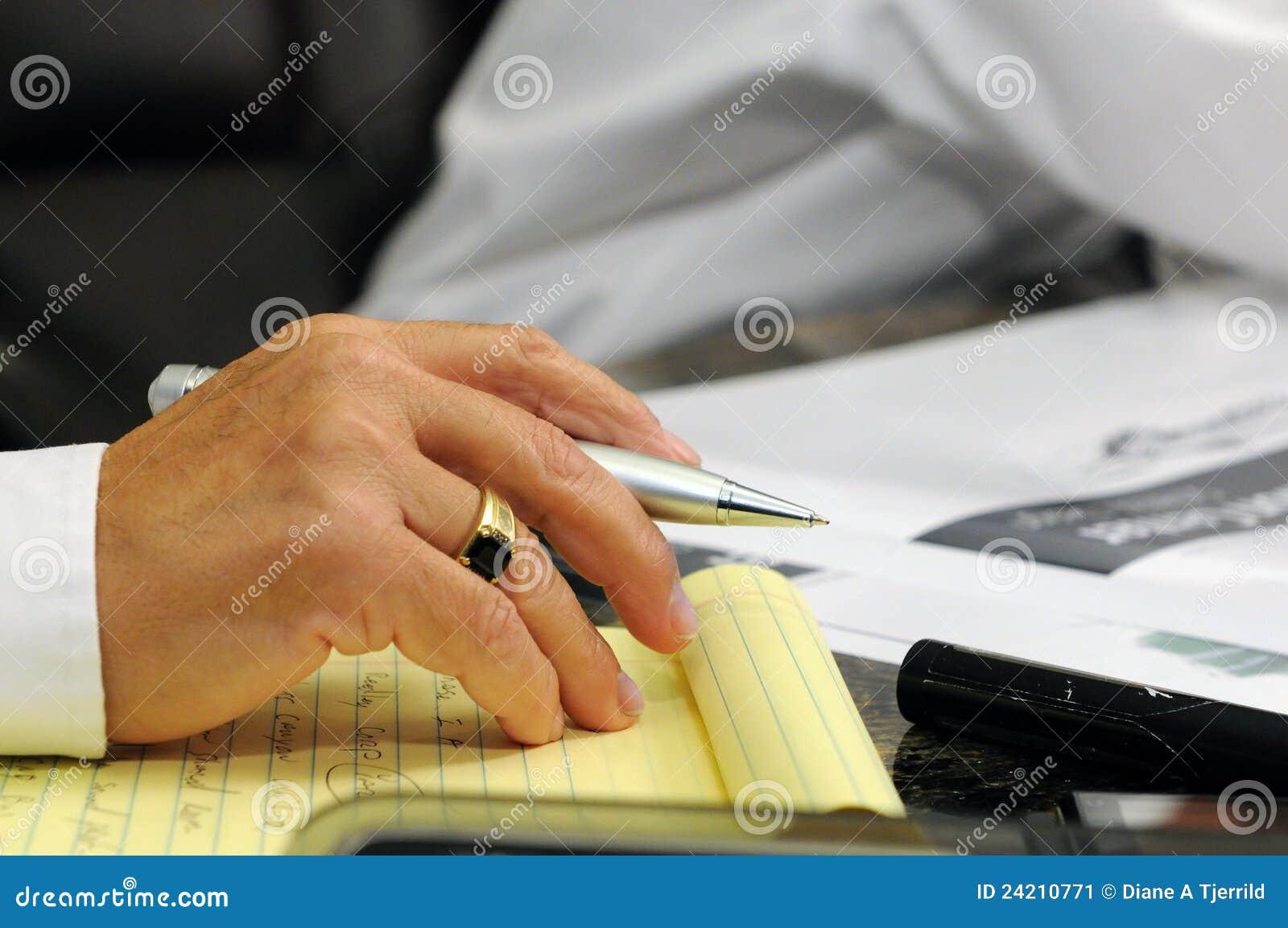 Budowy ręki mężczyzna spotkanie zauważa s zabranie