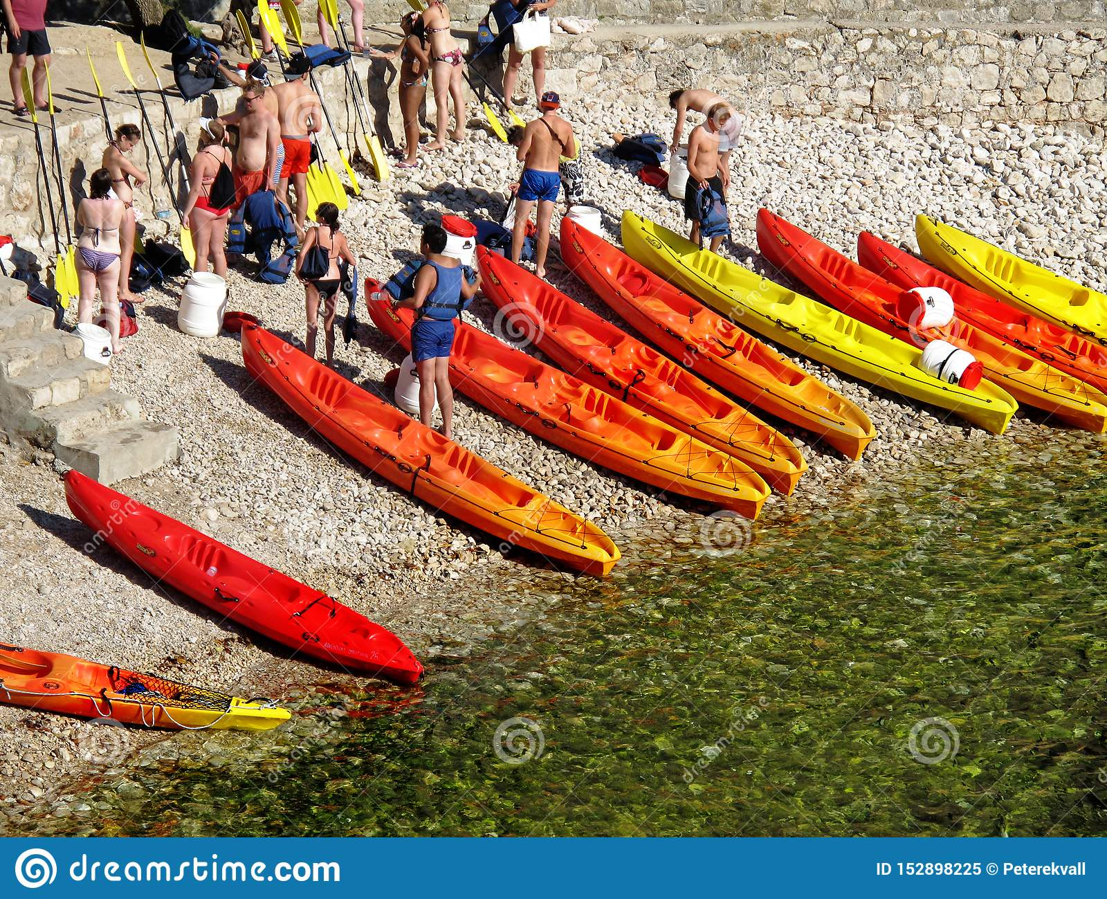 People of different ages will soon paddle canoe