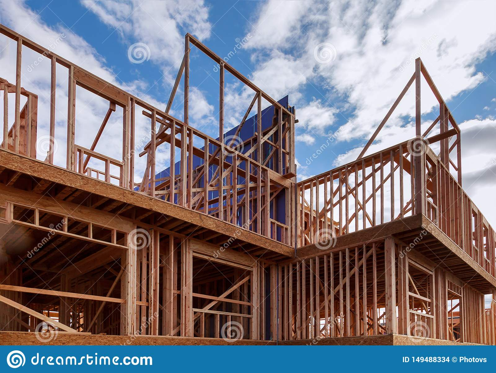 Budynek Nowej Domowej budowy drewnianego promienia zewn?trzna budowa