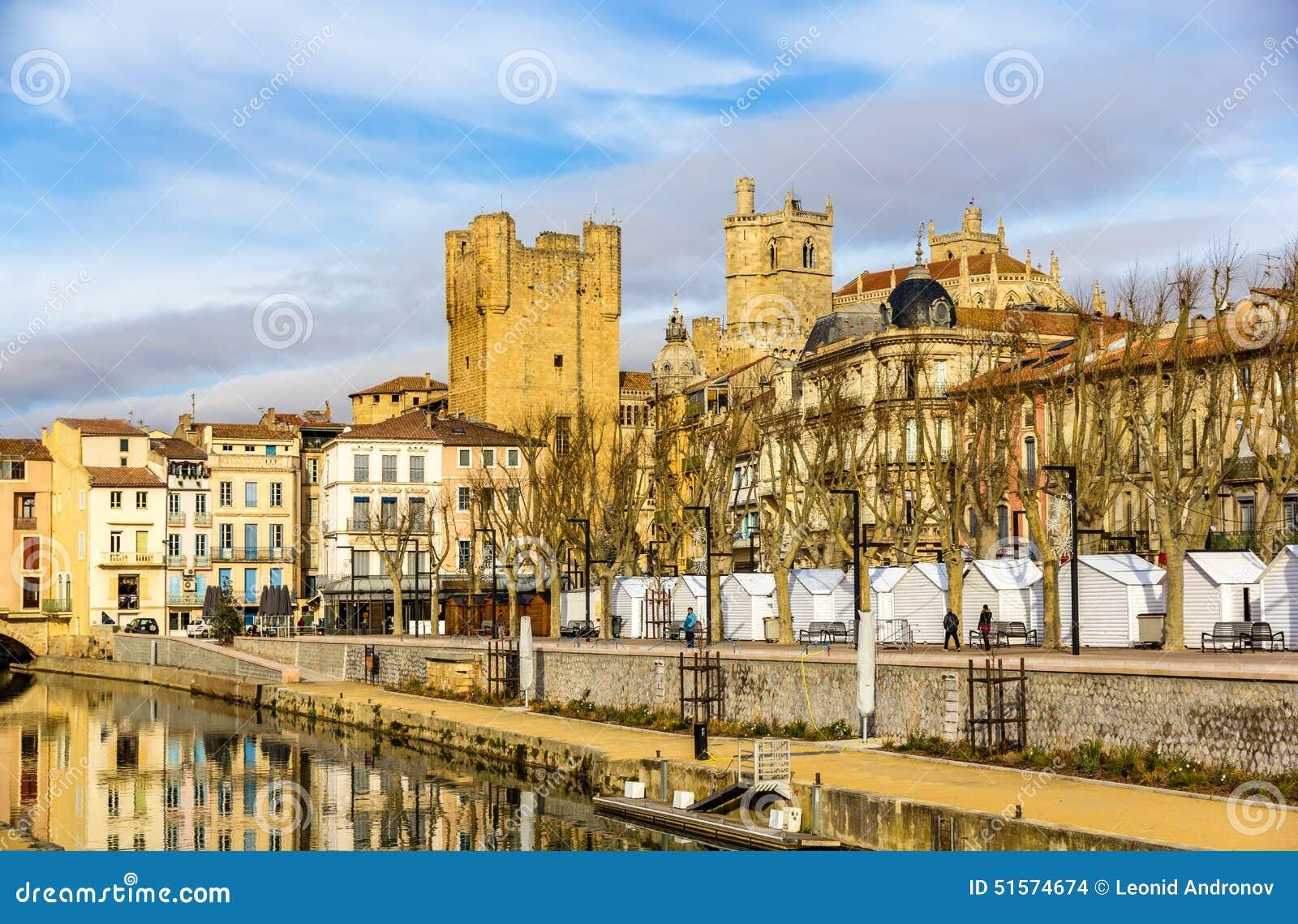 Budynki w centrum miasta Narbonne