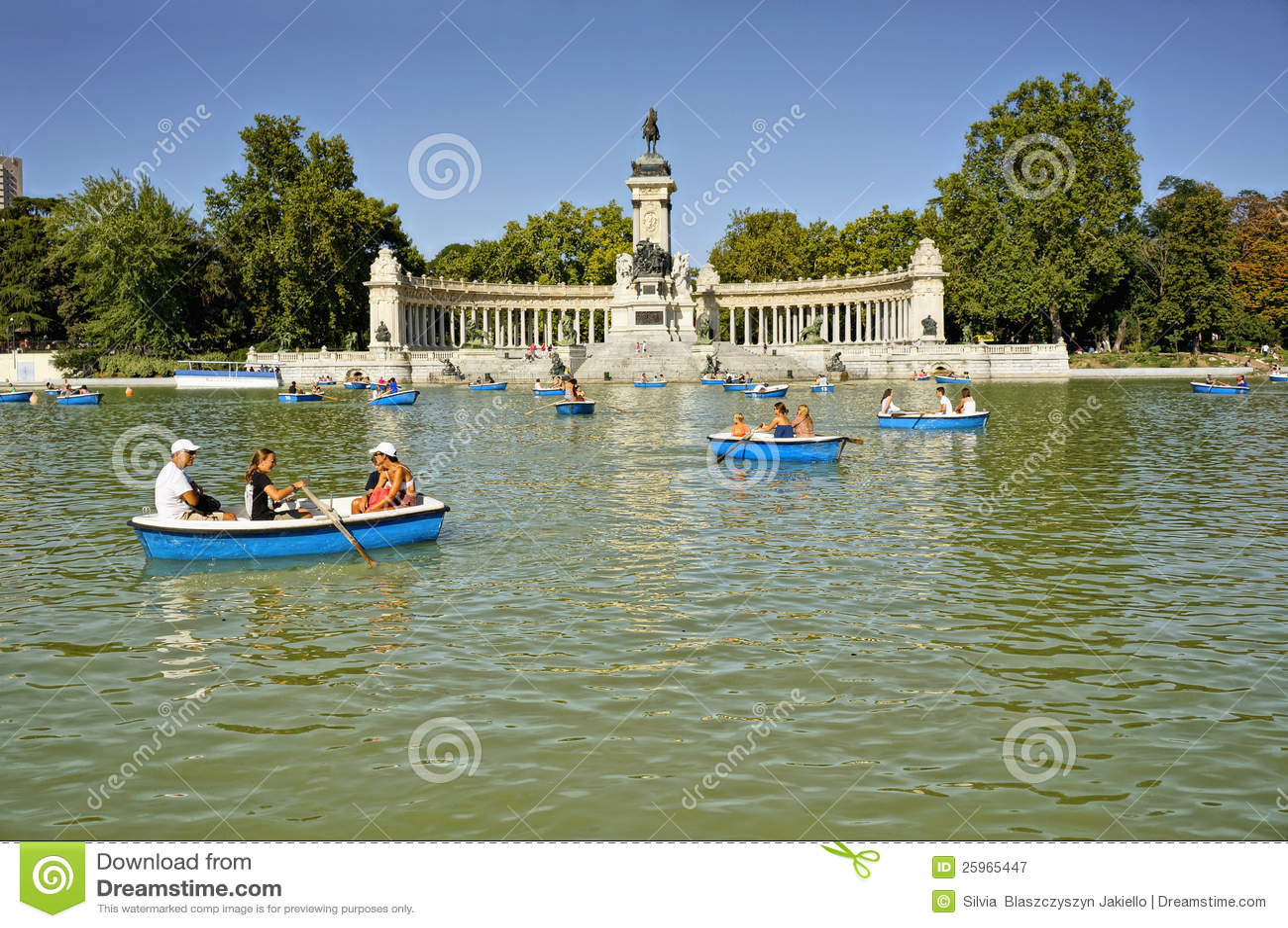 Buen Retiro Park, Madrid, Spain Editorial Photography - Image: 25965447