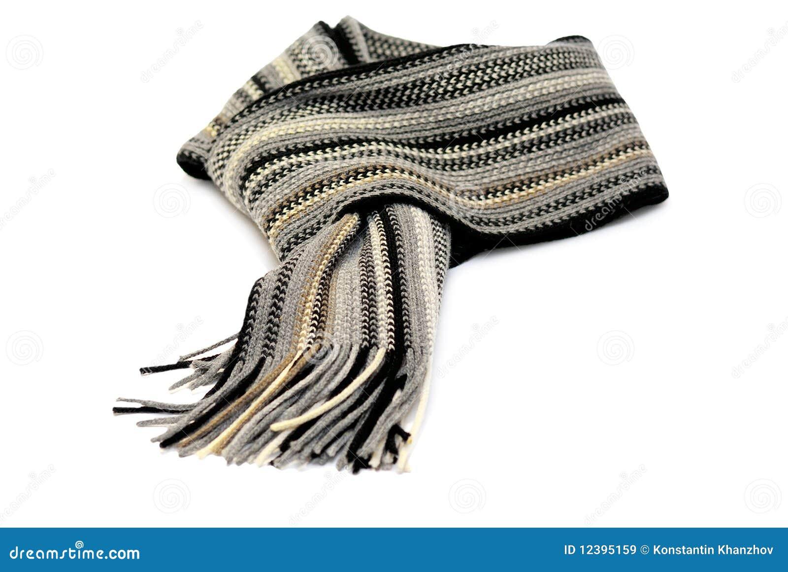 Bufanda anudada aislada sobre blanco