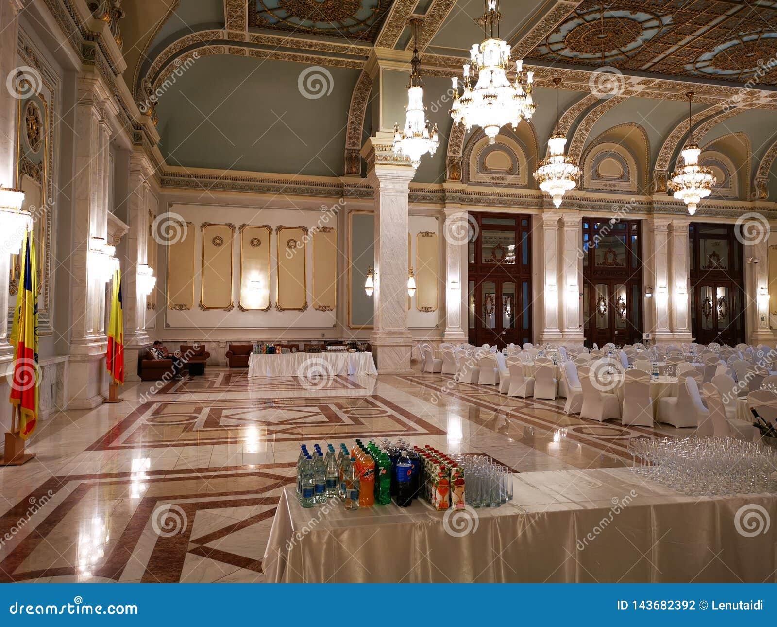 Bufet w luksusowym korytarzu