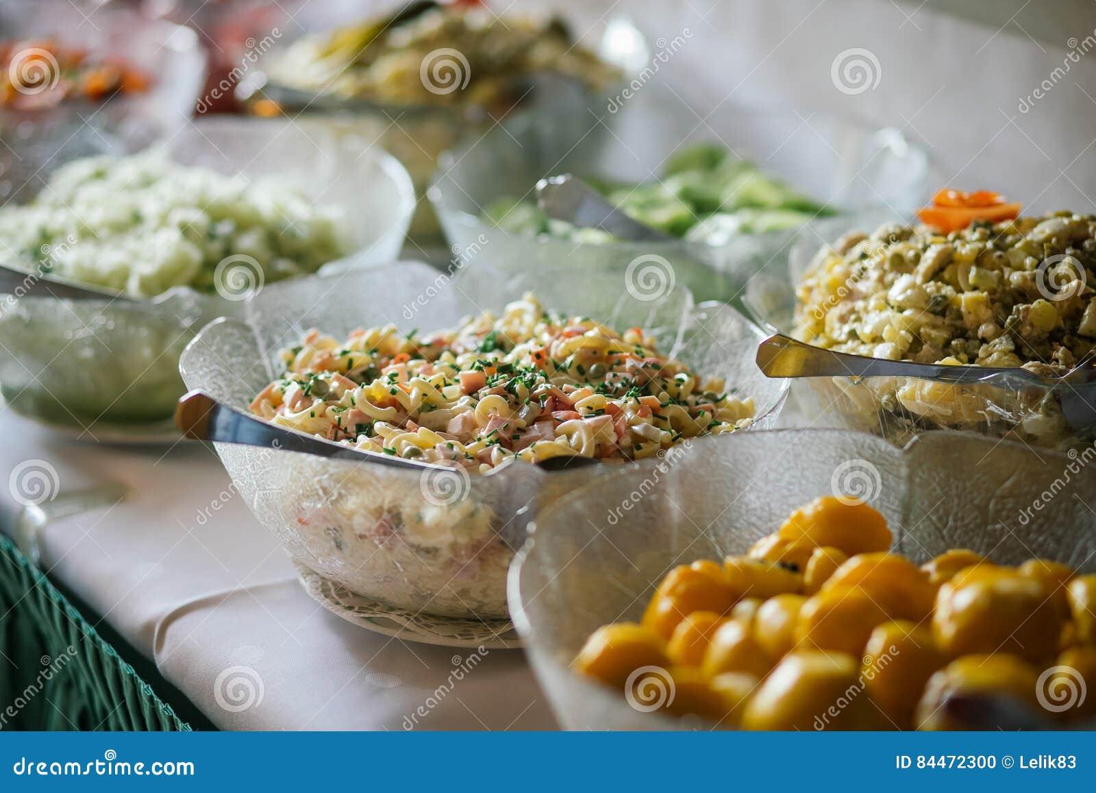 Bufete do alimento do casamento da restauração