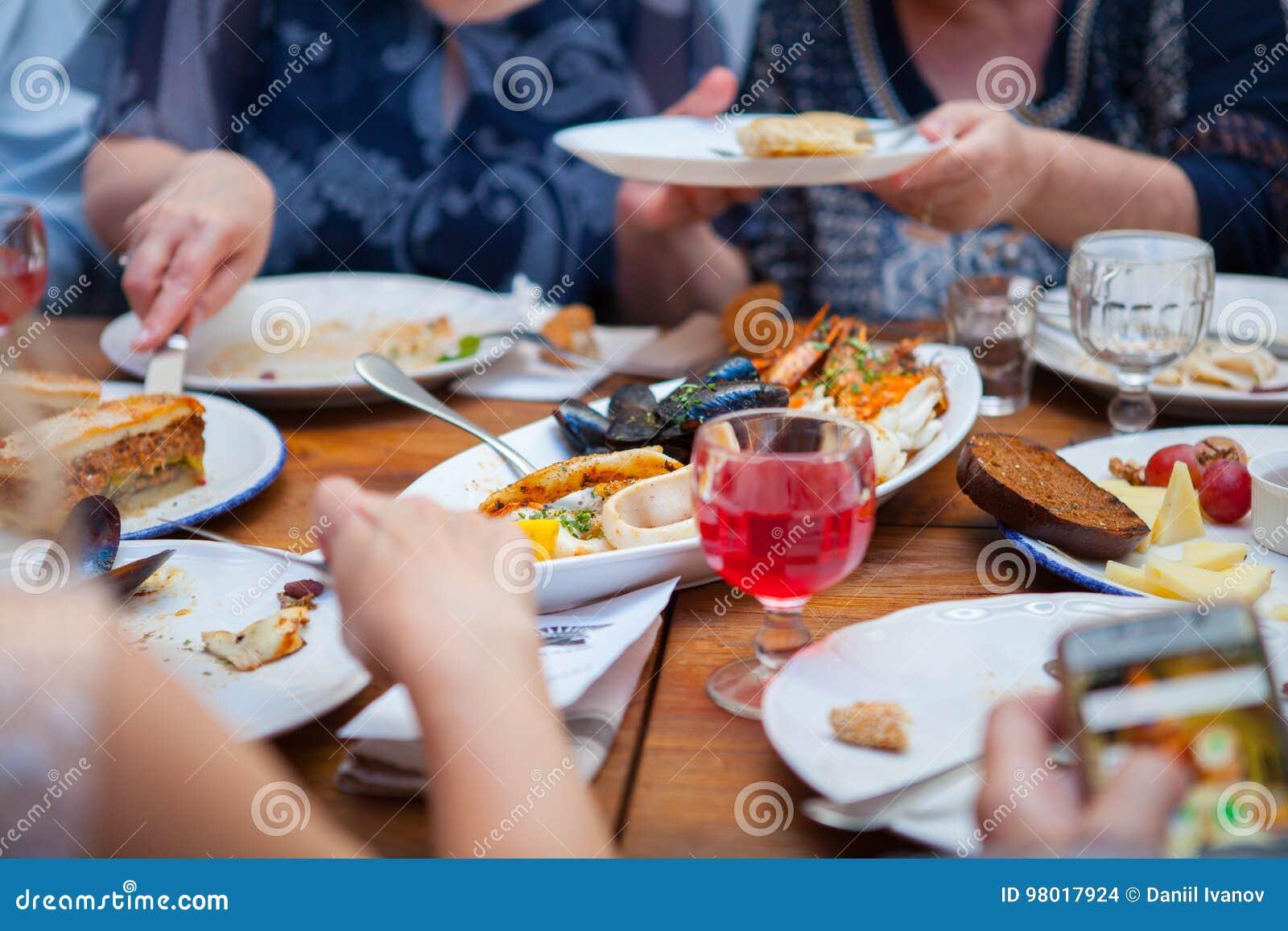 Buffématställerestaurang som sköter om matbegrepp