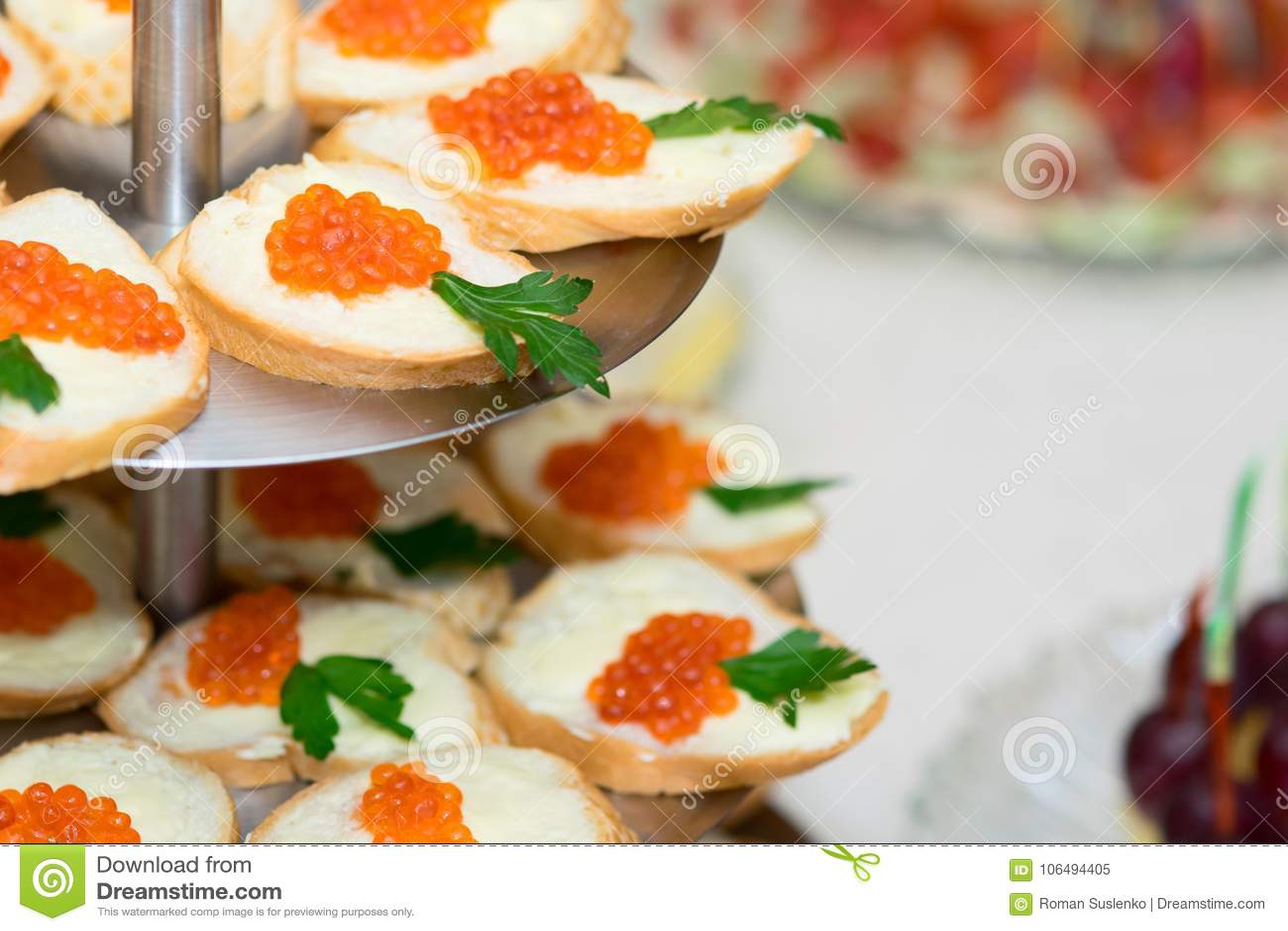 Buffed Сандвичи с красной икрой