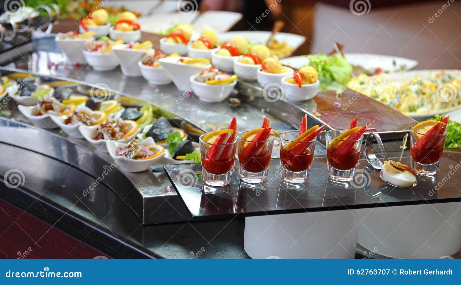 Assez Buffet De Nourriture Dans Le Restaurant De Luxe Photo stock  RH74