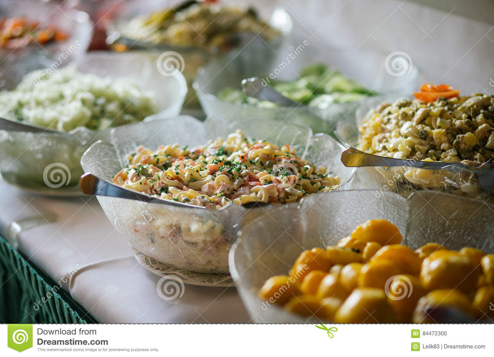 Buffet de nourriture de mariage de restauration