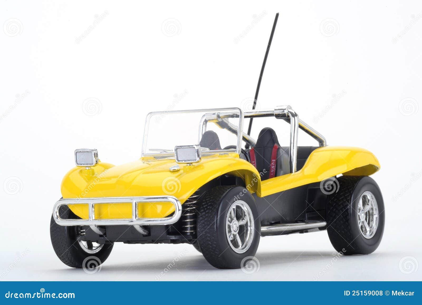 Buggy de duna amarelo