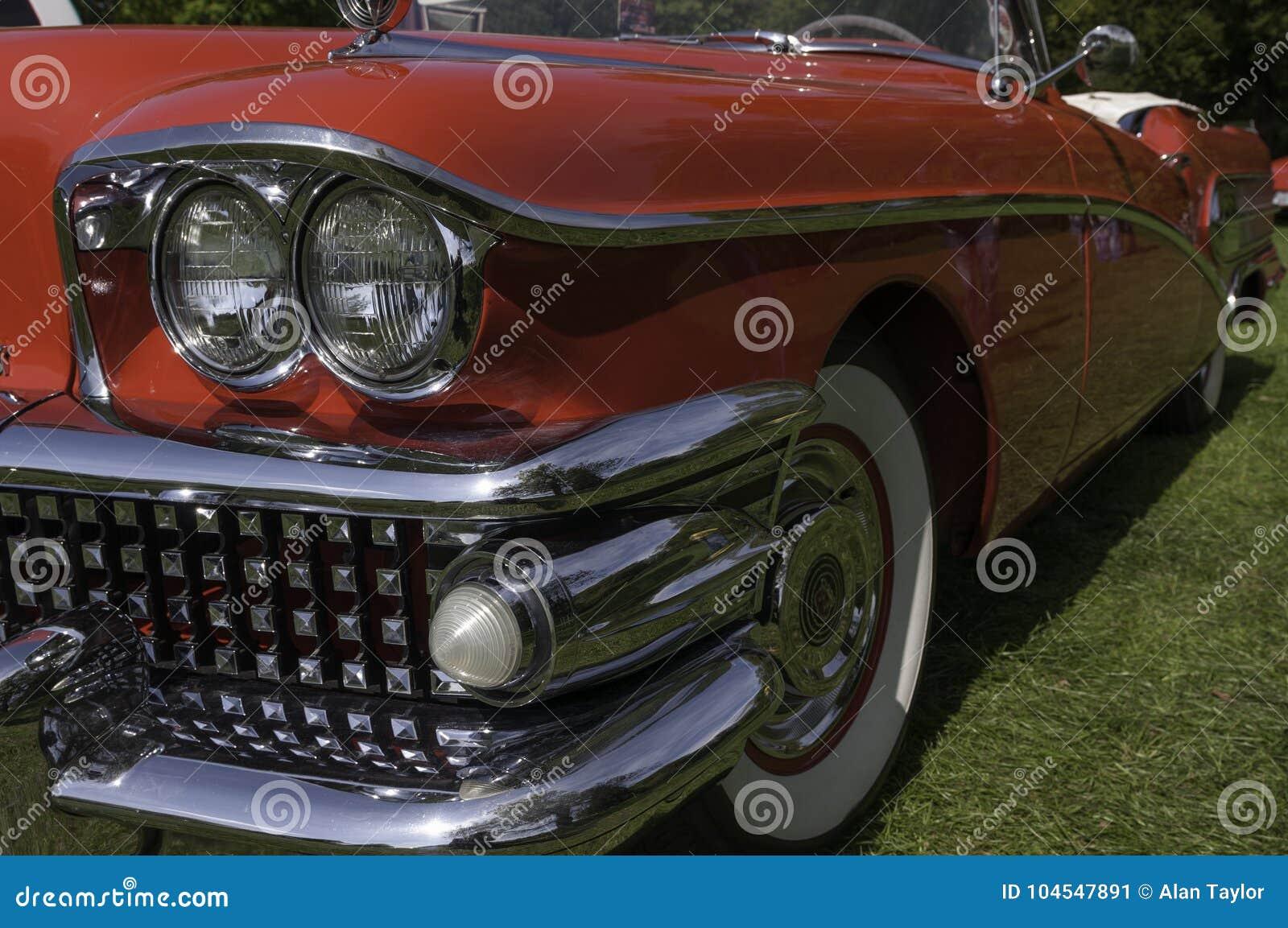 Buick-de Douaneauto bij een auto toont