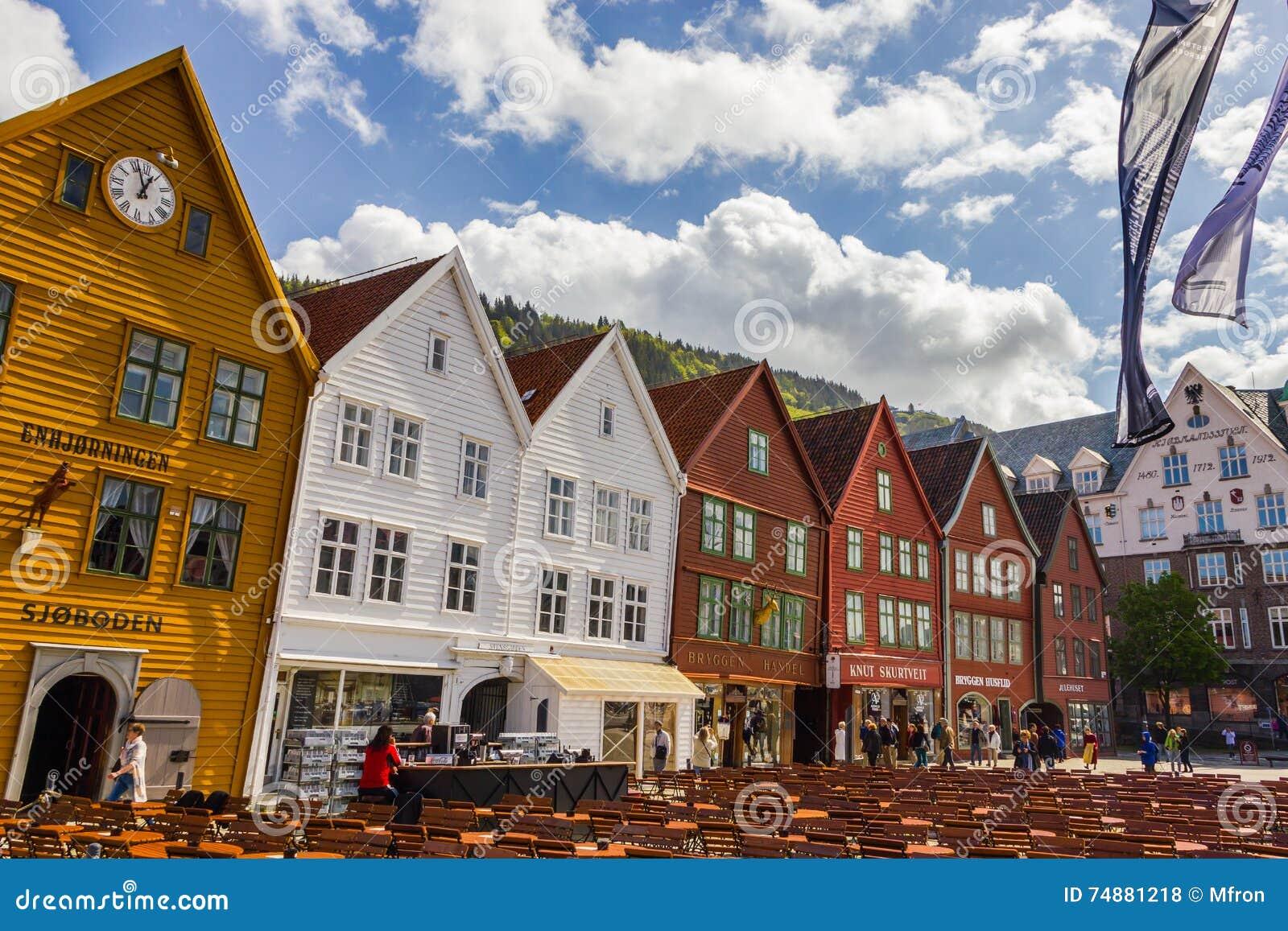 Buidings históricos de Bryggen em Bergen, Noruega