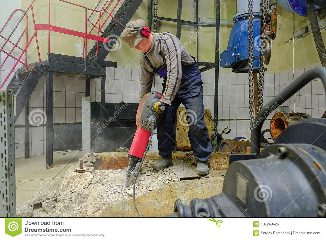 Builder with a hammer stock image  Image of labor, hole - 107249425