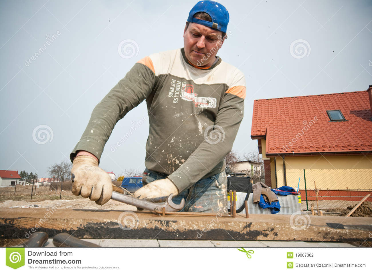 Builder at work stock photography image 19007002 Www builder