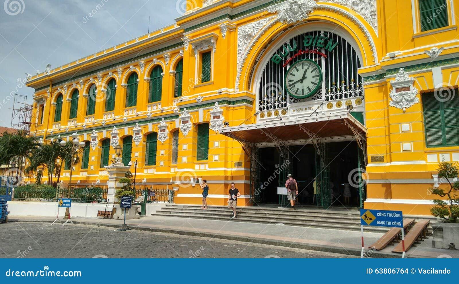 Building of central postoffice in ho chi minh city saigon for Jardin des sens ho chi minh