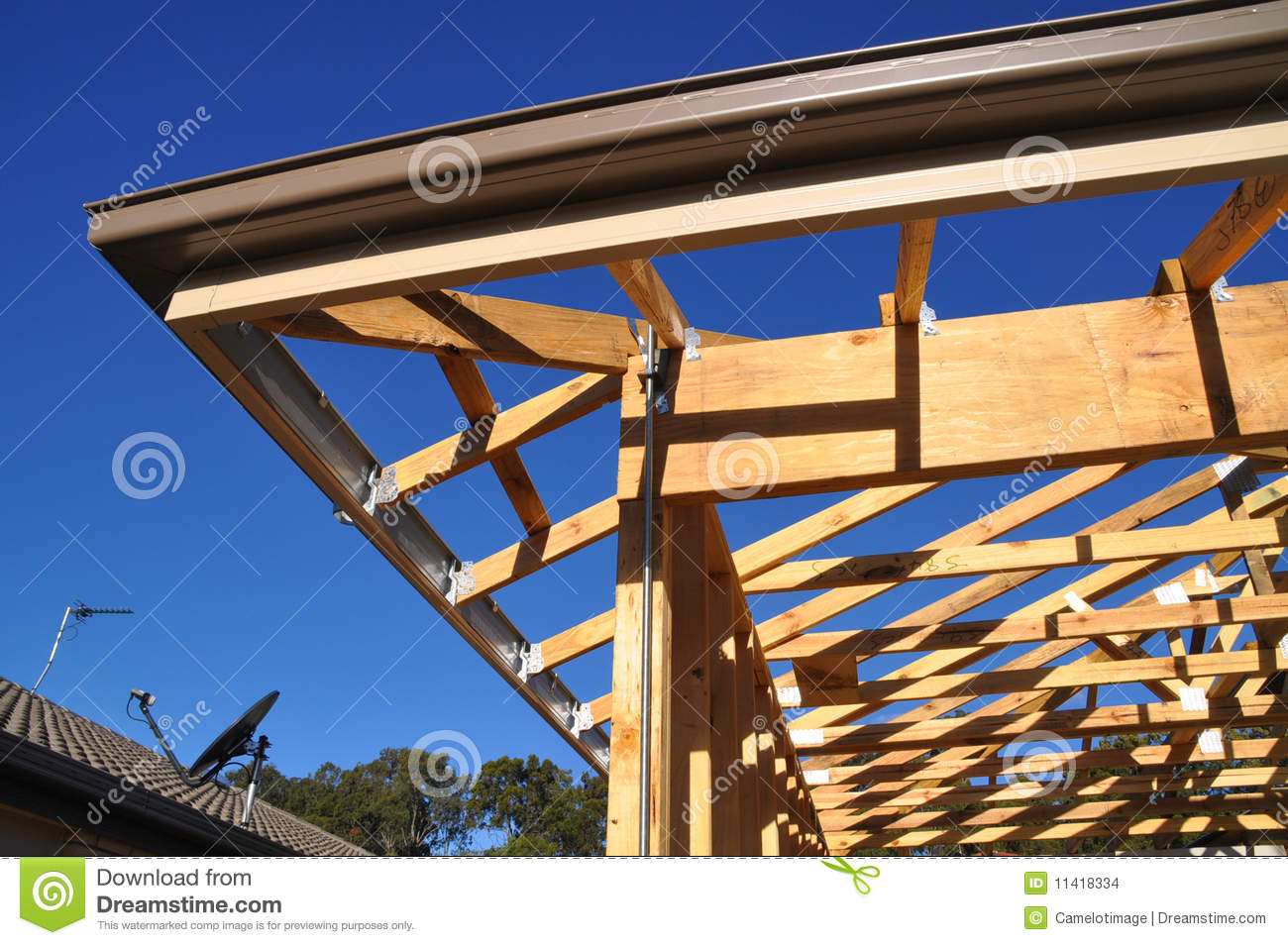 Building-eave Facia nd Gutter Detail Stock Images - Image: 11418334 - ^