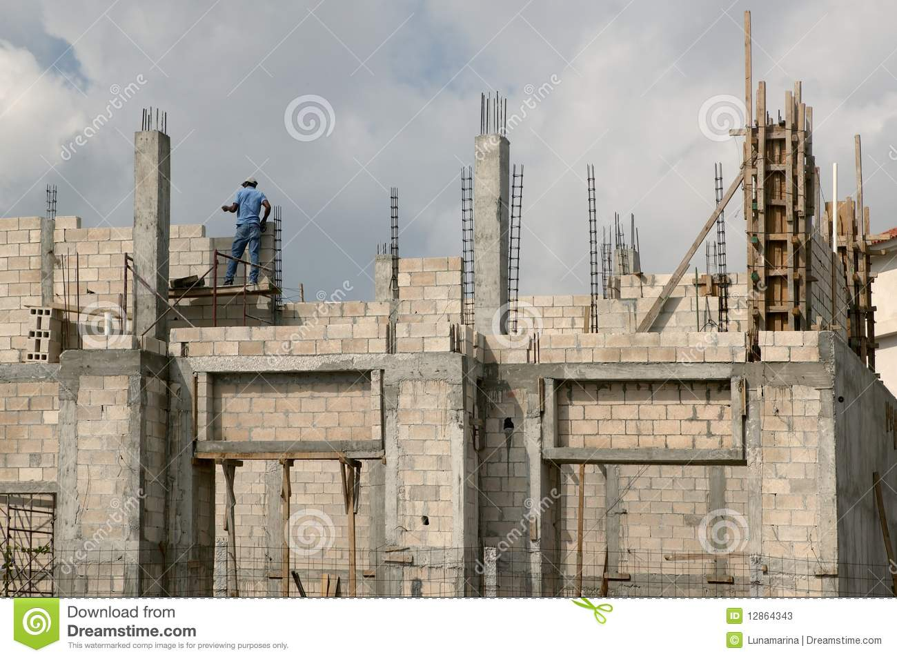 Building house with concrete blocks and columns stock for Building a concrete block house