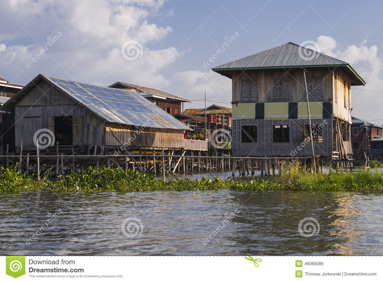 Building on the Inle lake